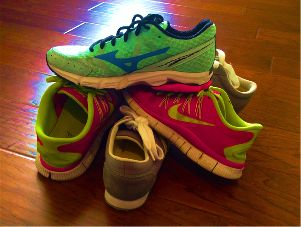 Top 5 Best Running Shoes Under Rs.1000 available in India