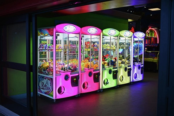 What's the best way to play a claw machine? - Quora