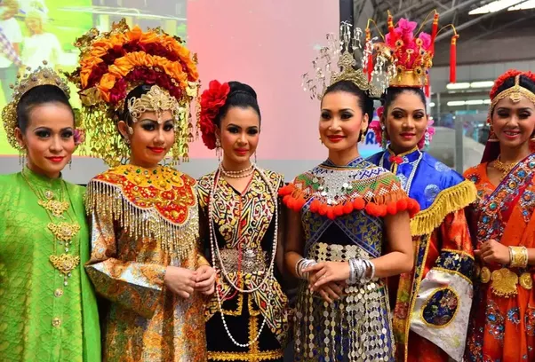 What are fundamental ways of the culture of Indonesia and Malaysia differ?  Quora
