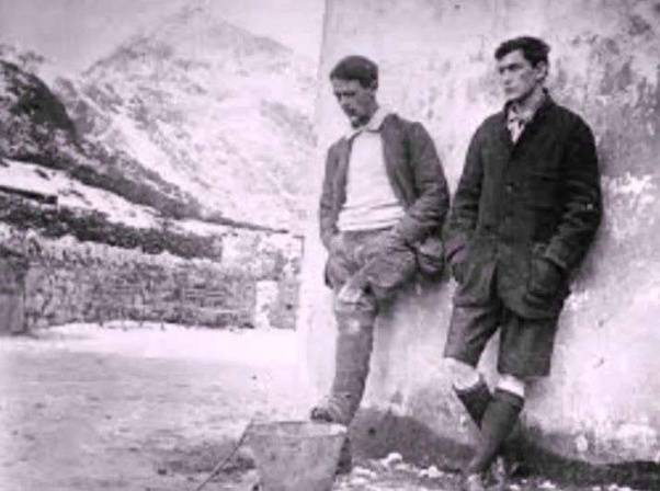 Who is the first person to climb Mt Everest? - Quora George Mallory And Andrew Irvine