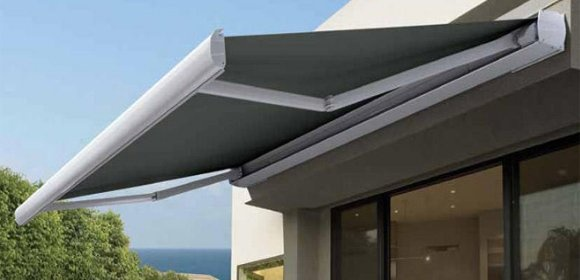 What are retractable awnings and what is their main feature? - Quora