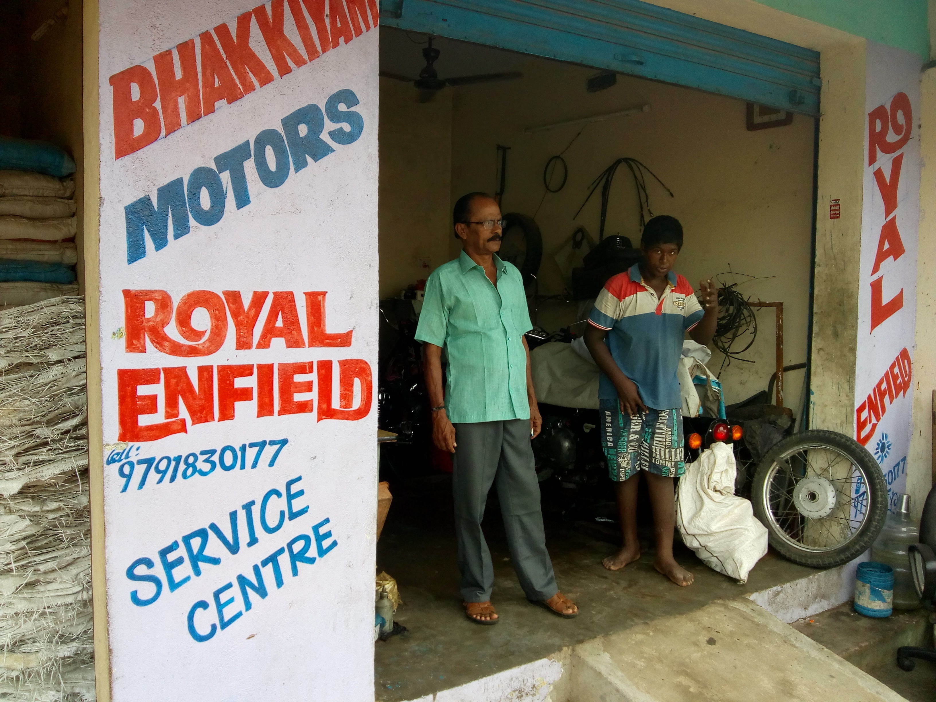 Nearest Mechanic Shop >> Which Is The Best Royal Enfield Service Centre Or Local