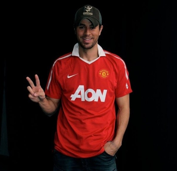 Top 10 Man United Celebrity Fans | The Transfer Tavern ...