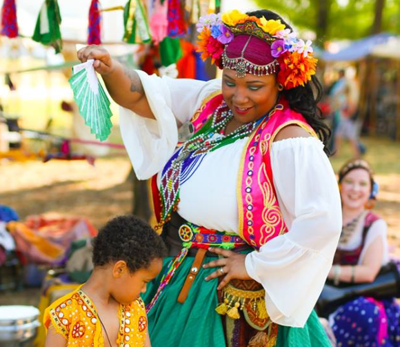 DIY gypsy costume.  How to make a gypsy halloween costume.  renaissance gypsy costume ideas, diy fortune teller costume, diy gypsy costume accessories, how to make a gypsy costume at home, gypsy halloween costume, how to make a renaissance gypsy costume