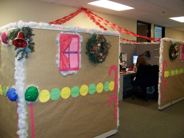 Christmas Decoration Themes For The Office.What Is The Best Theme To Decorate Desk In Office Quora