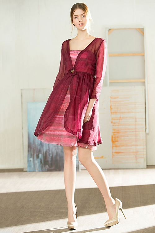 1f1885ff96b What Color Of Shoes Look Elegant With A Formal Burgundy Long Dress