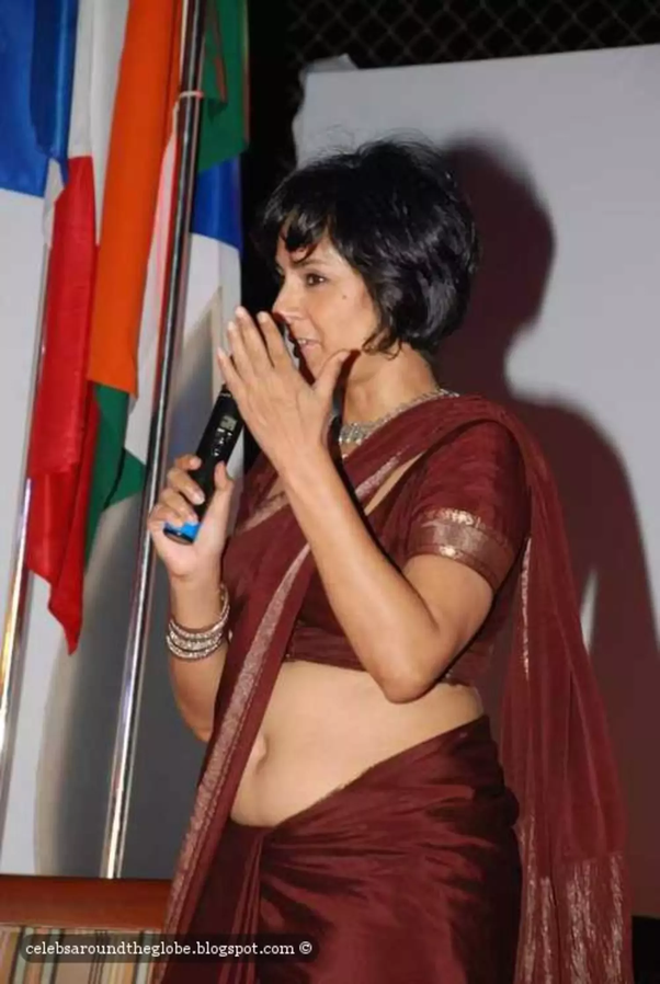 Can I expose my navel, in public, in India? - Quora