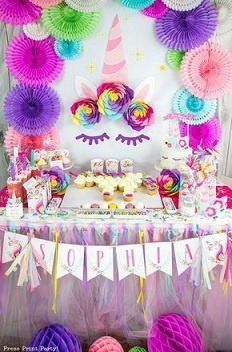 For A Unicorn Themed Birthday Party You Can Decorate The Place Like This In Various Ways