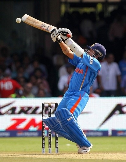 What are famous cricketing shots of the players around the ... Sachin Tendulkar Cover Drive