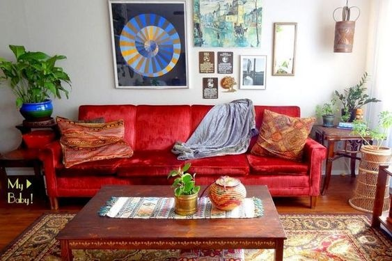 What colors match well with a red sofa? - Quora