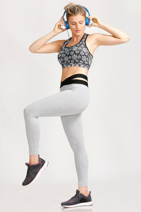 The next thing you need is fitted leggings. They not only help you in  working out in a proper form but also has many other benefits. bbac77df132e