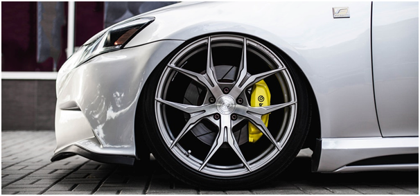 What are the causes and symptoms of the seizing of the brake