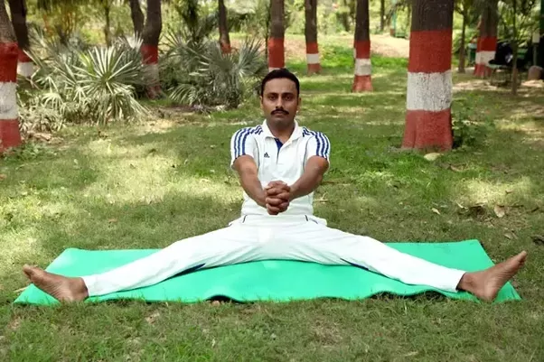 5 Pavanmuktasana Wind Releasing Pose This Asana Is Good For Your Stomach Helps In Reducing Belly Fat Lie Down On Back A Straight Position