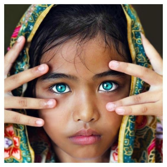 Apart from these famous celebrities i mentioned above. Here is a list of some common people with most beautiful eyes in the world-