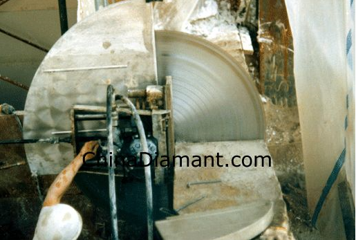Wall Mount Concrete Saw : What is the most reasonable approach for cutting a new