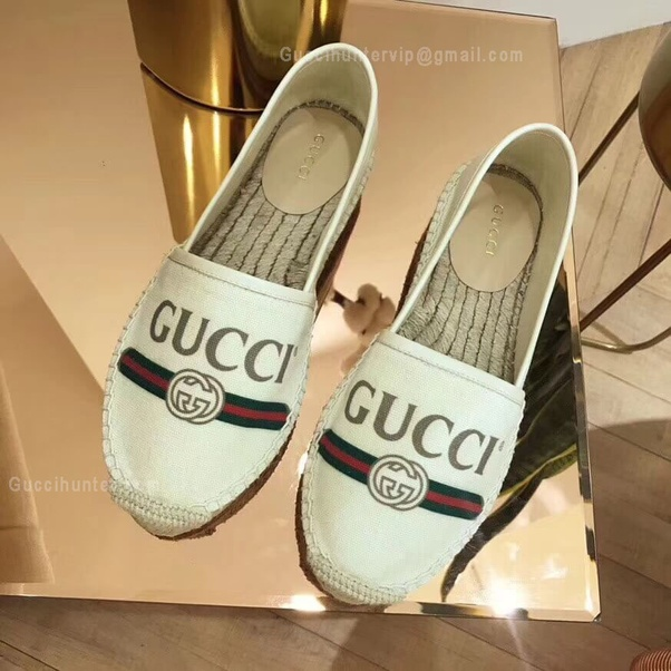 3eabd35be65 Authentic Gucci shoes smell like leather. The soft leather on the outside  of women s shoes is prone to scuffing and scratching easily by a  fingernail. Fake ...