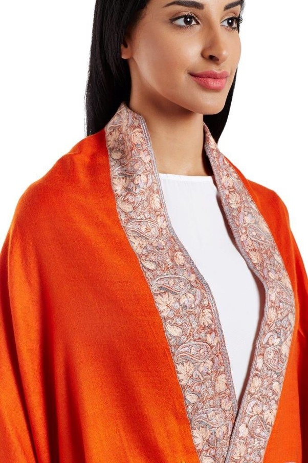 43ae3cd409224 2) Kani Shawl - Kani is one do the most scientific way of crafting the shawl.  The patterns and motiffs and a part of the weave with having 6–20 colors in  ...