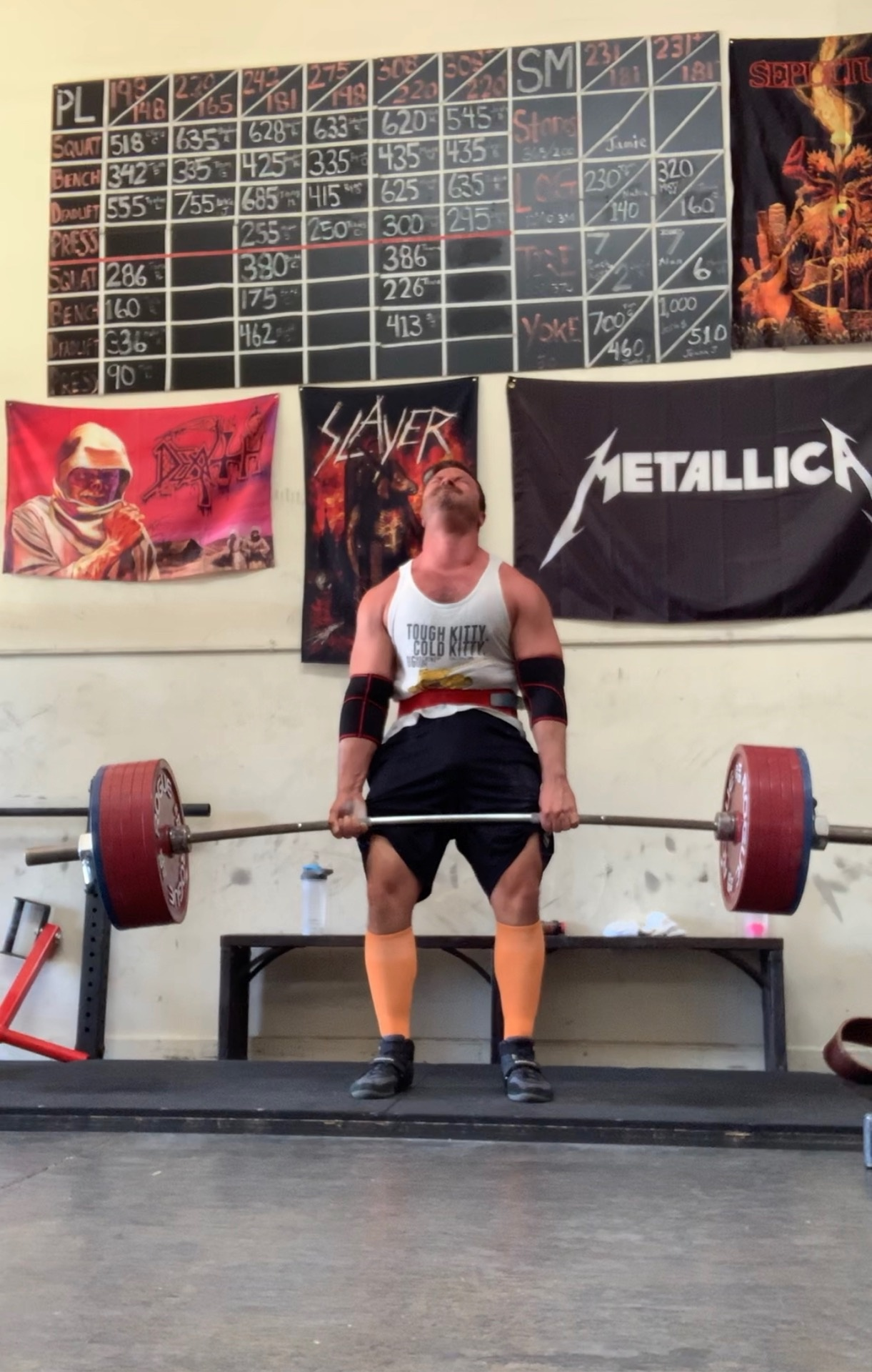 What's more impressive, a 300 lb bench press or a 500 lb deadlift