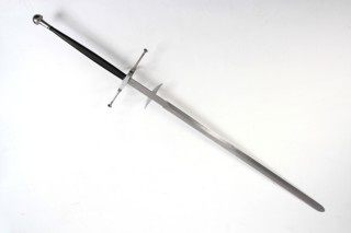 What is the difference between a Long Sword and a Broadsword