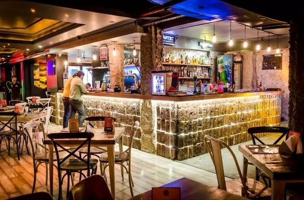 What is the difference between a pub, bar, club, and a lounge? - Quora