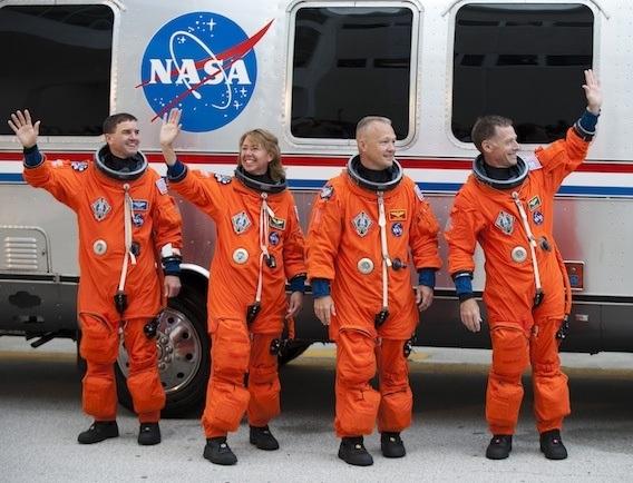 space astronaut jumpsuit - photo #19
