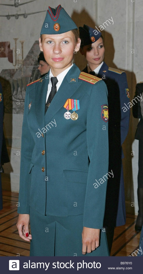 920931e7ebf257 What does the Russian army formal uniform look like? - Quora