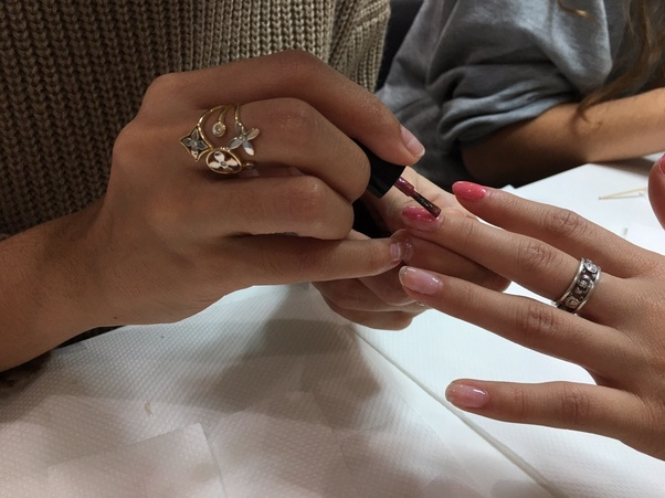Which Are The Best Nail Art Courses For A Nail Technician In