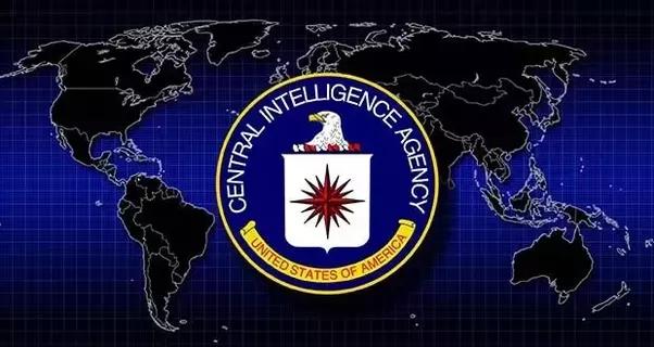 Was sind einige erstaunliche Fakten über die CIA, das FBI usw.?