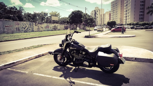 What are the pros and cons of the Harley Davidson Sportster