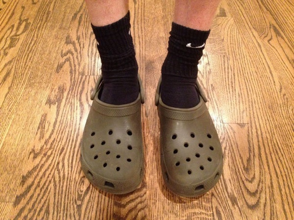 156b800ecc5b Question answered  Are Crocs meant to be worn with socks or not