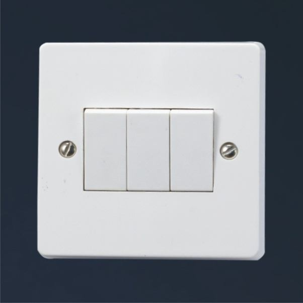Why are electric switches made up of plastic or bakelite instead of ...