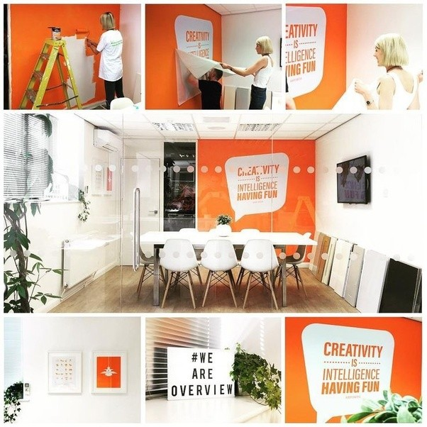 what is the best colour combination for office interior wall if logo