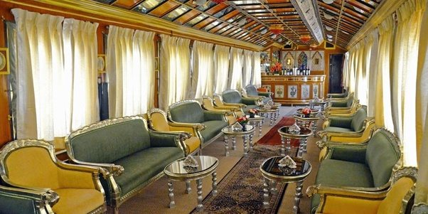 How Is The Experience Of Travelling By Palace On Wheels