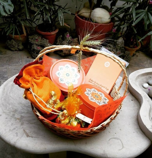 Indian Wedding Gift Ideas: What Are Some Of The Most Creative Indian Wedding Cards