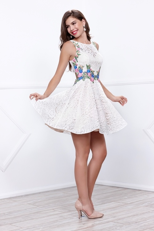 626f438a32a There are numerous dresses for 8th-grade graduation like long dresses
