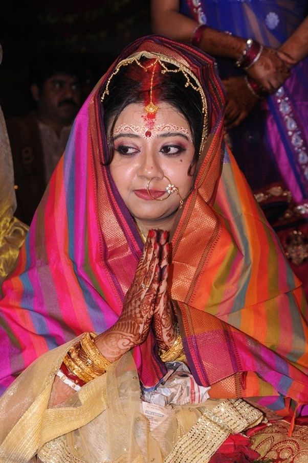 You Can Get Good Makeup Artist At Rs 8000 Onwards For One Day And Bridal Salon Package Takes Around 5k