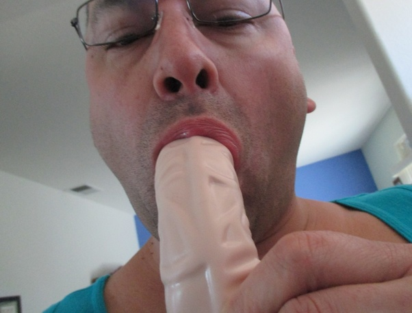How give deepthroat like
