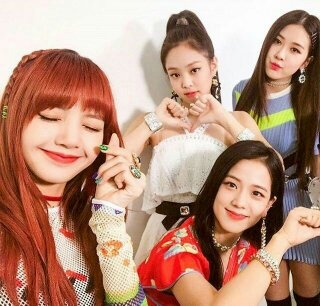 Would a BTS member date a BlackPink member? - Quora
