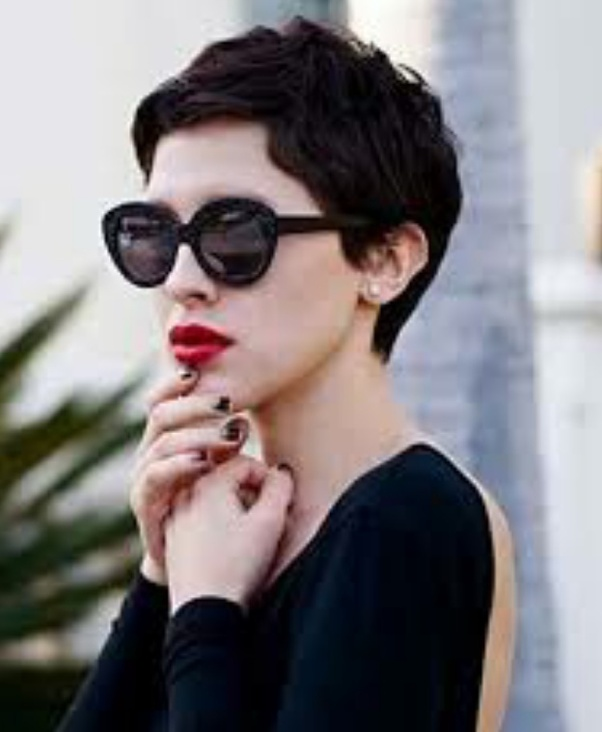 Does A Pixie Haircut Look Good On Indian Traditional Dresses Like