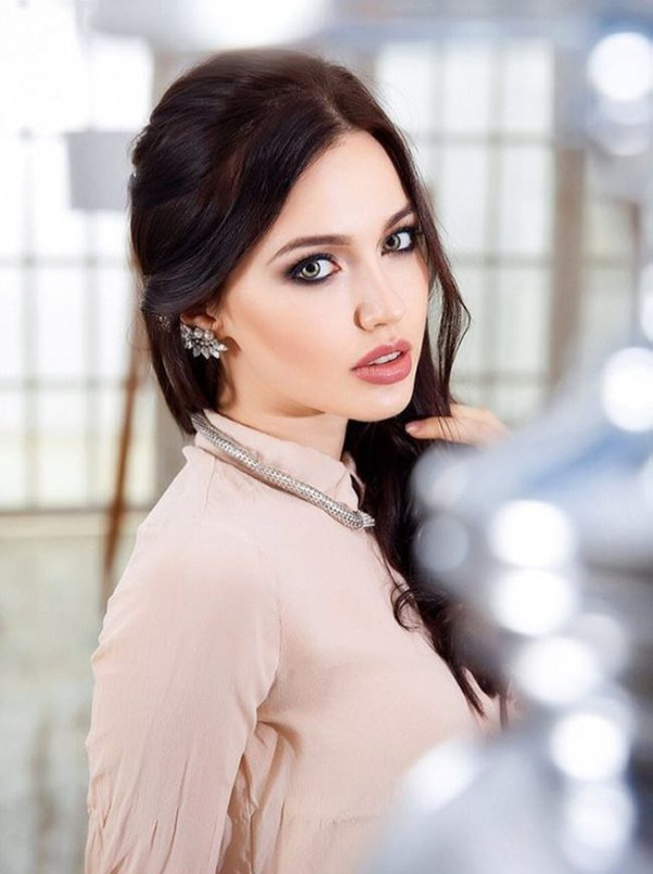 What are most stunning photos of the Russian fashion model