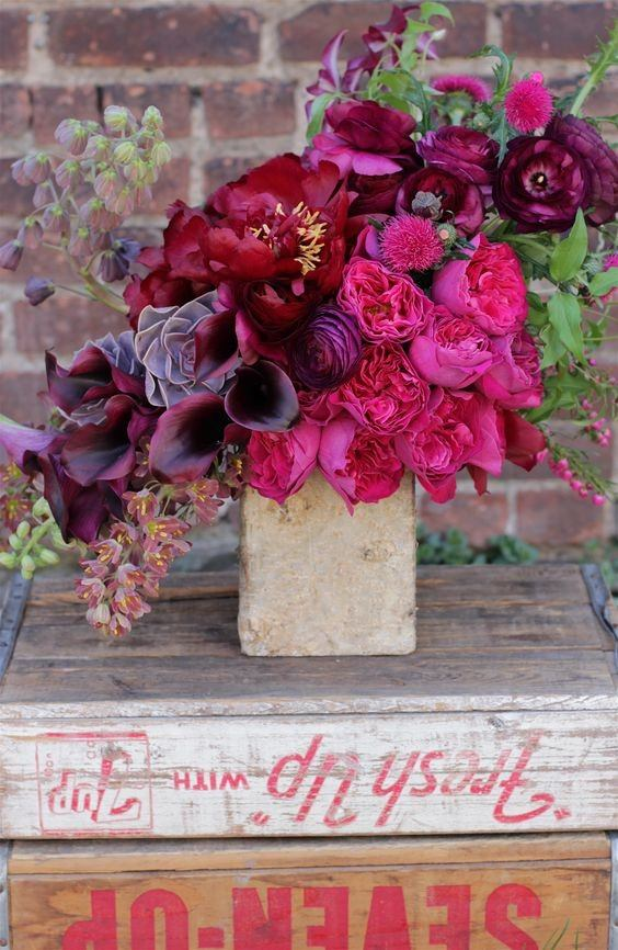 What Floral Arrangement Should I Get My Female Friend For