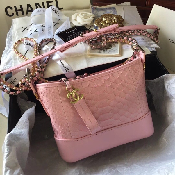 b0ffdbe8e9a233 But what to do if you love Chanel, but don't want to break the bank? Then  it's time for the 5 tips below on how to buy Chanel at a discount