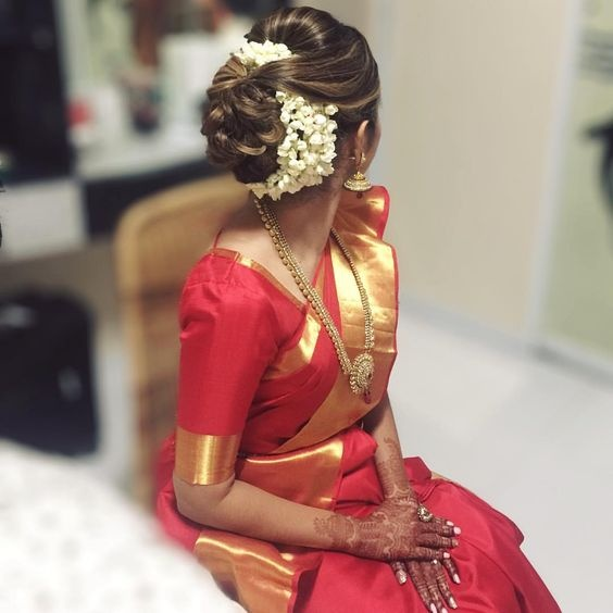 What Are Some Indian Wedding Hairstyles For Brides?