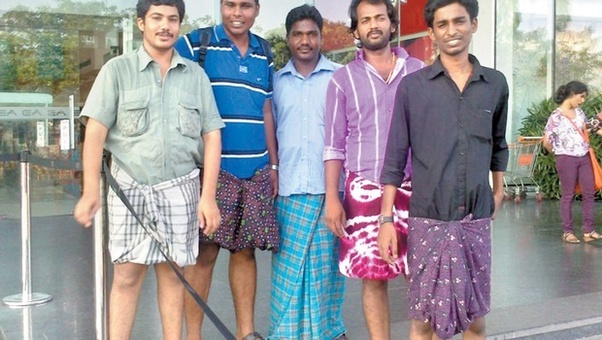 b6aed8aa79 Lungi generally refers to colorful Dhothis/clothing with various prints  etc. This is normally wore by men and boys as evening/night clothes.