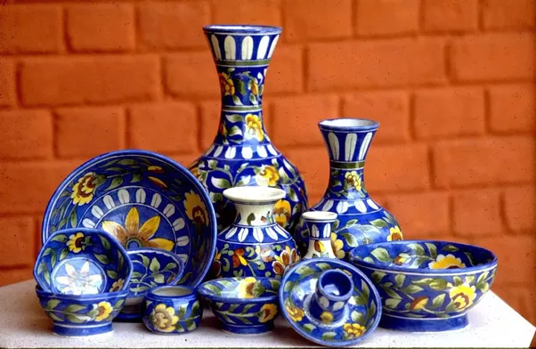 Handmade Vases With Minakari Patterns The Pride Of Medieval India
