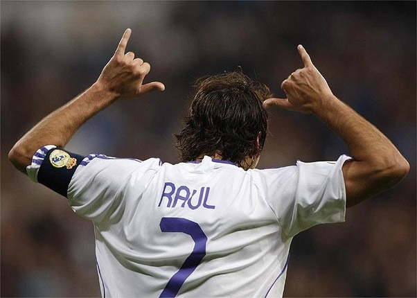 premium selection 36ea3 c1c8d Why Cristiano Ronaldo changed his number for 9 to 7 at Real ...