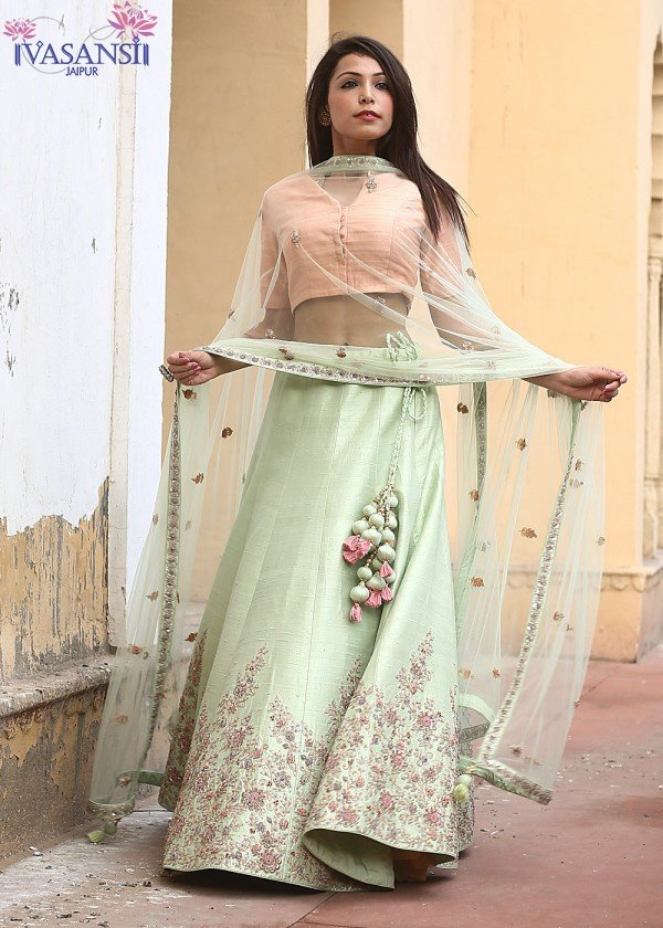 Where can I buy women\'s ethnic wear online? - Quora