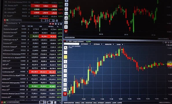 low fee trading cryptocurrencies