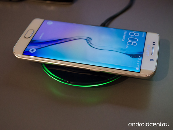 how does the samsung wireless charger work quora. Black Bedroom Furniture Sets. Home Design Ideas