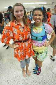 What are some ideas for outfits on Wacky Wednesday/Wacky Tacky Day at school? - Quora